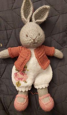 Easy Knitting Patterns, Amigurumi Patterns, Knitting Stitches, Baby Patterns, Knitting Projects, Baby Knitting, Crochet Patterns, Knitted Bunnies, Knitted Dolls
