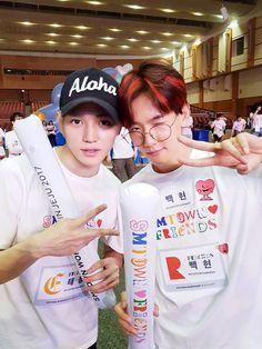 • EXO ✹ BYUN BAEKHYUN •'s photos – 188 albums | VK << Baeks new hairrrrr and hes with Taeyonggg