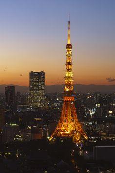 "fuckyeahjapanandkorea: "" Tokyo Tower Illumination (by Fumitaket) "" Gustave Eiffel, Tokyo Night, Tokyo Tower, Tokyo Japan, Japan Travel, Light In The Dark, The Good Place, Scenery, Germany"