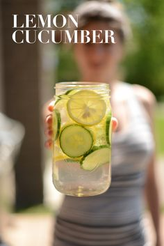 Lemon-Cucumber Infused Water -Get in your daily water quota with this Fruit-Infused Water - 6 ways! From berries to citrus to cucumber and herbs we've got you covered for refreshing drink recipes all summer long! Healthy Water, Healthy Drinks, Healthy Snacks, Healthy Recipes, Cucumber Infused Water, Infused Water Recipes, Fresco, Daily Water, Gin Tonic