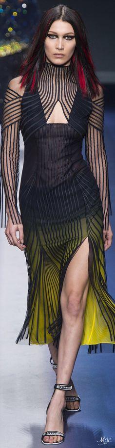 Fall 2017 RTW Versace