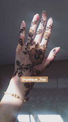 Pretty Henna Designs, Floral Henna Designs, Latest Henna Designs, Henna Tattoo Designs Simple, Arabic Henna Designs, Simple Henna, Khafif Mehndi Design, Mehndi Designs Book, Mehndi Designs 2018