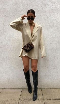 Chic Outfits, Trendy Outfits, Fashion Outfits, Womens Fashion, Looks Chic, Looks Style, Summer Outfits Women, Spring Outfits, Cowboy Boot Outfits