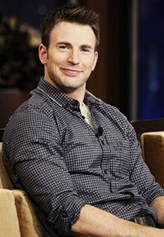 Chris Evans that smile <3