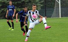 Filho de Amoroso ganha destaque no Udinese e sonha com seleção italiana #globoesporte