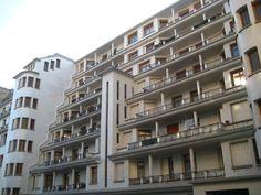 FR, Paris, Rue des Amiraux. Architect Henri Sauvage, 1927.