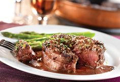 Peppercorn-Seasoned Steak with Mustard-Wine Sauce.Beef stock, dry red wine, shallots and mustard combine to make a sophisticated sauce that enhances the flavor of peppercorn-seasoned tenderloin steaks. Stove Top Recipes, Ww Recipes, Steak Recipes, Sauce Recipes, Cooking Recipes, Healthy Recipes, Lamb Recipes, Skillet Recipes, Healthy Options