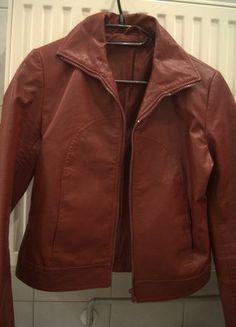 Kup mój przedmiot na #vintedpl http://www.vinted.pl/damska-odziez/kurtki/11501344-czerwona-bordowa-kurtka-s