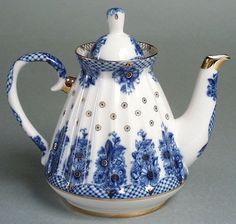 Blue and white teapot with gold trim Russian Imperial Lomonosov Porcelain Tea Pot Cobalt With 22k Gold Z