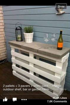 Un bar en palette de bois You are in the right place about palette bois recup Here we offer you the Bar En Palette, Palette Deco, Palette Table, Diy Garden Furniture, Diy Pallet Furniture, Furniture Ideas, Wooden Furniture, Furniture Design, Bedroom Furniture