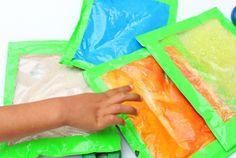 Las bolsitas sensoriales son una manera muy divertida para que los niños exploren el mundo sin necesidad de hacer reguero. Estas bolsas contienen objetos escondidos, texturas sorprendentes incluso colores brillantes que harán que los niños se interesen en un juego …