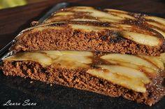 "Cand am vazut prajitura asta, pe care eu am numit-o prajitura rasturnata cu pere si blat de turta dulce (lung titlul, dar nu degeaba 😀 ), am stiut imediat ca va intra in topul retetelor mele preferate!!! Multumesc Mavis pentru ca ne-ai impartasit aceasta reteta minunata, din delicioasa carte ""Simply in season"", pe care mi-as …"