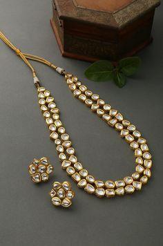 Kundan Jewellery Set, Fancy Jewellery, Jewelry Design Earrings, Stylish Jewelry, Necklace Designs, Gold Jewelry, Kundan Set, India Jewelry, Bridal Jewellery