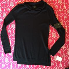 ❤️ NWT Trouve Black Soft Funnel Neck Knit❤️ 🎀 Super Stylish Black Knit, Loose Hem and Side Slits. Perfect for weekends, skinny jeans and your favorite shoes!!!❤️ 10% Angora 🎀🎀FLASH SALE Trouve Sweaters Cowl & Turtlenecks