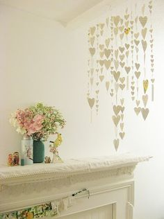 Guirnaldas de corazones de papel  The Cottage Cheese: DIY - Paper Heart Garland
