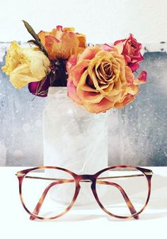 A beautiful flower arrangement and Claudia Schiffer by Rodenstock glasses defeat the Monday blues. Photo by @izdispiteri on Instagram.