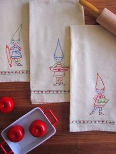 kitchen gnomes on dish towels