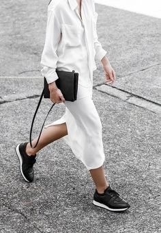 A pair of straight leg jeans with sneakers and a slip dress with fancy sandals, that's what we get used to. Compared with chunky sneakers, yes sandals actually