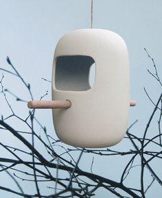 Birds Snack Bar // bird feeder of white porcelain by pennyvertone