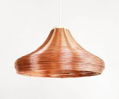 Shine some light in these dark evenings with the copper braided pendant lamps. . . #handbraided #woven #pendant #lamp #light #copper #koper #gevlochten #vlechten #ambacht #craft #hanglamp #warm #dark #cozy #tablelamp #lorier #studiolorier
