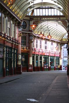 Leadenhall Market, London. Where they filmed the Diagon Alley scenes in HP!