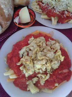Receta: pasta con alcachofas y tomate