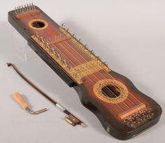 Ukelin - o ukelin é uma mistura inusitada entre o ukulele havaiano e o violino