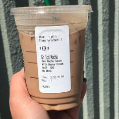 Keto Starbucks Drinks. Keep your Starbucks favorites low carb with this ultimate guide to keto diet Starbucks drinks! From lattes to frappes