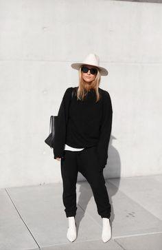"Via Mija - Janessa Leone hat, Céline bag & sunglasses, Acne Studios knit jumper. Via Mija ""Janessa Leone ha - Street Style Fashion Week, Looks Street Style, Looks Style, Style Me, Mode Outfits, Winter Outfits, Casual Outfits, Skirt Outfits, Fashion Outfits"