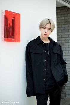 Baekhyun - Most charismatic and alluring man of EXO-L Kris Wu, Luhan And Kris, Baekhyun Chanyeol, Baekhyun Fanart, Park Chanyeol, Kpop Exo, Baekyeol, Chanbaek, Xiuchen