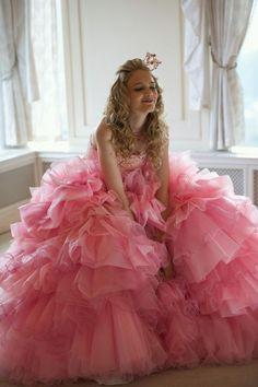 おとぎの国のお姫様みたい♡最強可愛いピンク色カラードレスのおすすめブランド4選*にて紹介している画像