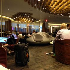 10 game-changing NYC airport hacks  (#6 get unlimited drinks at airport lounges)