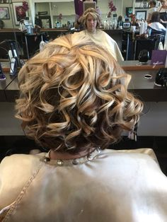 Color and curls By Annette