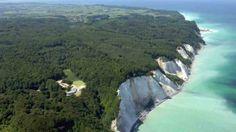 Don't miss out on one of Denmark's biggest natural wonders Møns Cliff in south Zealand! #denmark #nature #mønsklint