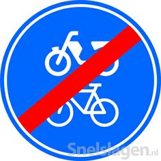 Je mag hier niet fietsen,bromfietsen en rijden met een gehandicaptenvoertuig. Gemaakt door Maartje Kok en Isabel van Noort