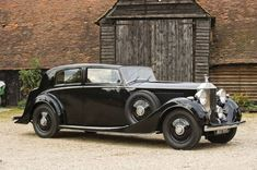 Rolls Royce Phantom II love these old type cars they talk money and elegance