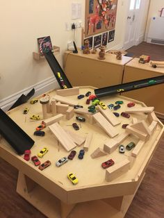 Small world ramps, cars and building eyfs activities, preschool activities, toddler class, Reggio Inspired Classrooms, Reggio Classroom, Preschool Classroom, Physics Classroom, Classroom Displays, Eyfs Activities, Nursery Activities, Preschool Activities, Tuff Spot