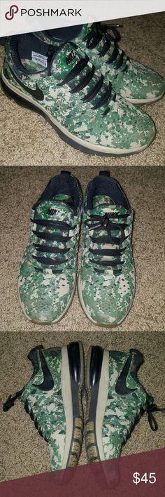 Nike Men's Fingertrap Max NRG in Green Digi Camo Nike Men's Fingertrap Max NRG in Green Digi Camo. Training shoe. Barely worn. Size 8.5. Nike Shoes Sneakers