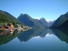 Beautiful Pictures Norway | At the western coast of Norway are amazing features known as fjords ...
