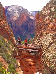 4 Day Itinerary for Zion National Park | Hiking Angel's Landing: