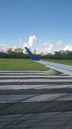 JetBlue from San Juan to Las Américas International Airport Santo Domingo. Click the link for full video. New York City Vacation, Vacation Places, Beautiful Photos Of Nature, Beautiful Places To Travel, Airplane Window View, Puerto Rico Pictures, Dubai Airport, Airplane Photography, Profile Pictures Instagram