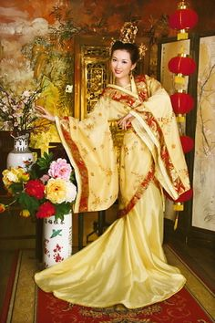 Chinese Costume / Hanfu (Dynasty Dress) Chapel train jacket. Wide sleeve. Crossed collars. Short top, long dress with waistband. 2 pcs with skirt. Brocade, satin