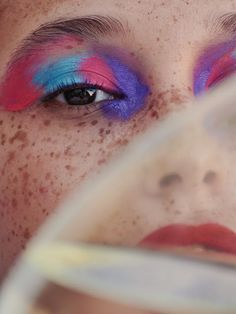 Pops Of Color💅💄by  Vogue Portugal July with Carmen Garitano  by  by  Old Makeup, Edgy Makeup, Basic Makeup, Glamorous Makeup, Makeup Art, Makeup Looks 2017, Instagram Makeup Looks, Vogue Portugal, Runway Makeup