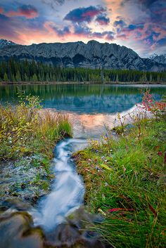 Description  An amazing sunrise during fall in Kananaskis Country, Alberta, Canada.