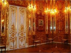 Catherine The Great's Amber Room... well the recreation at least. Amazing. St. Petersburg, Russia