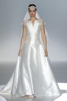 GOWNS...   Mildred Moda. Wedding Dress