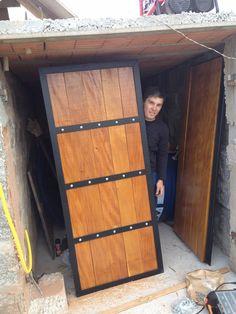 House Main Gates Design, Main Entrance Door Design, Door Gate Design, Front Door Design, Garage Metal, Hanging Sliding Doors, Garage Construction, Metal Garden Gates, Tor Design