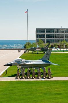 Air Force Academy ~ Colorado Springs, Colorado, static fighter displays between the 2 Cadet Halls. Living In Colorado, Colorado Homes, Wonderful Places, Great Places, Places To Visit, Colorado Springs, Air Force Academy, Military Academy, Armed Forces