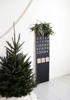 DIY Chalkboard Advent Calendar - The Merrythought
