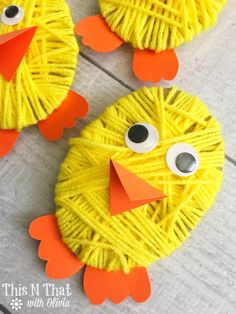 Chick Yarn Craft for Easter - diy kids crafts Easter Activities, Craft Activities, Preschool Crafts, Crafts For 2 Year Olds, Easter Crafts For Kids, Children Crafts, Yarn Crafts For Kids, Kids Diy, Family Crafts